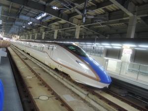 北陸新幹線 「かがやき」試験運転で金沢駅到着。